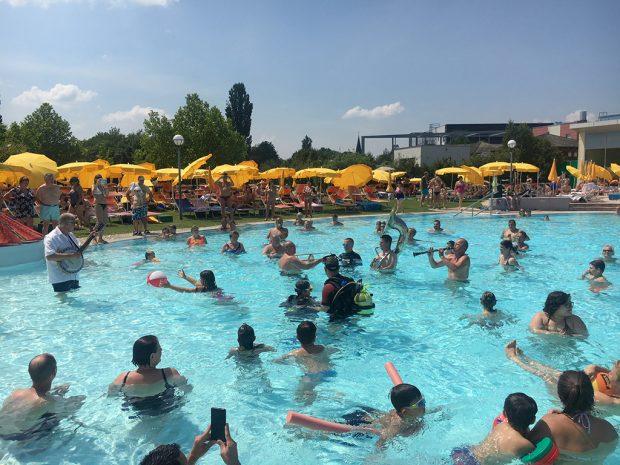 Sommerbaderöffnung Therme Laa